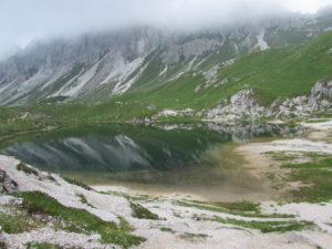 Lago d'Olbe con riflesso Cresta Righile
