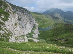 Lago Avostanis